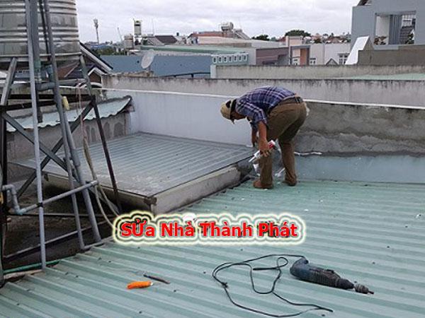 Thợ chống dột mái tôn quận 5